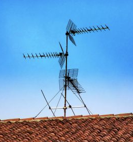 ammature_radio_tower_on_condo_-_Google_Search.png