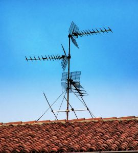 the-radio-antenna-1151543-m.jpg
