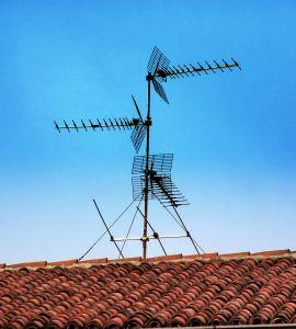 the-radio-antenna-1151543-m.jpg